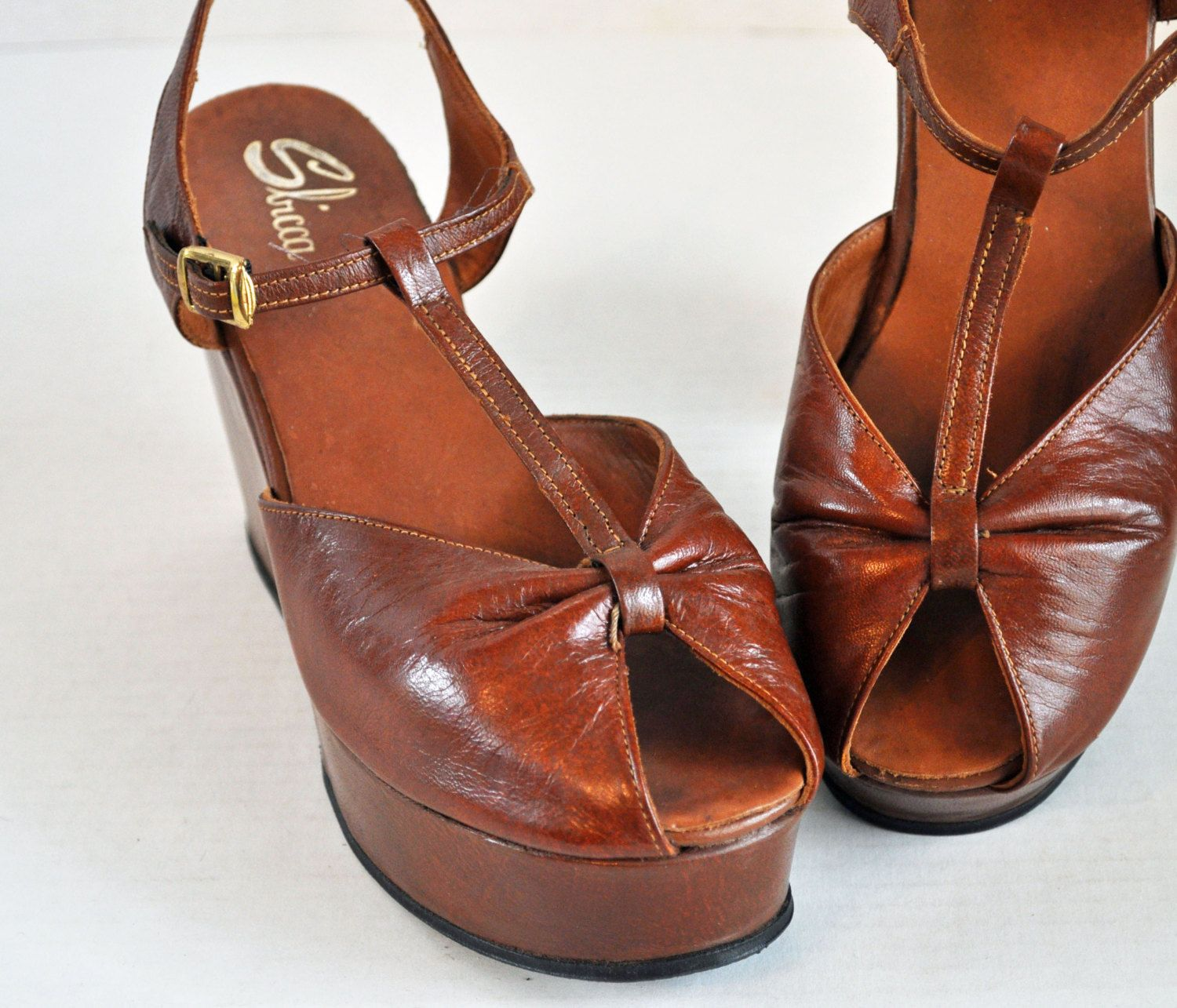 vintage 70s PLATFORM Shoes Sandals / Sbicca Shoes / Strappy PEEPTOE  Platform Sandals / Womens Leather
