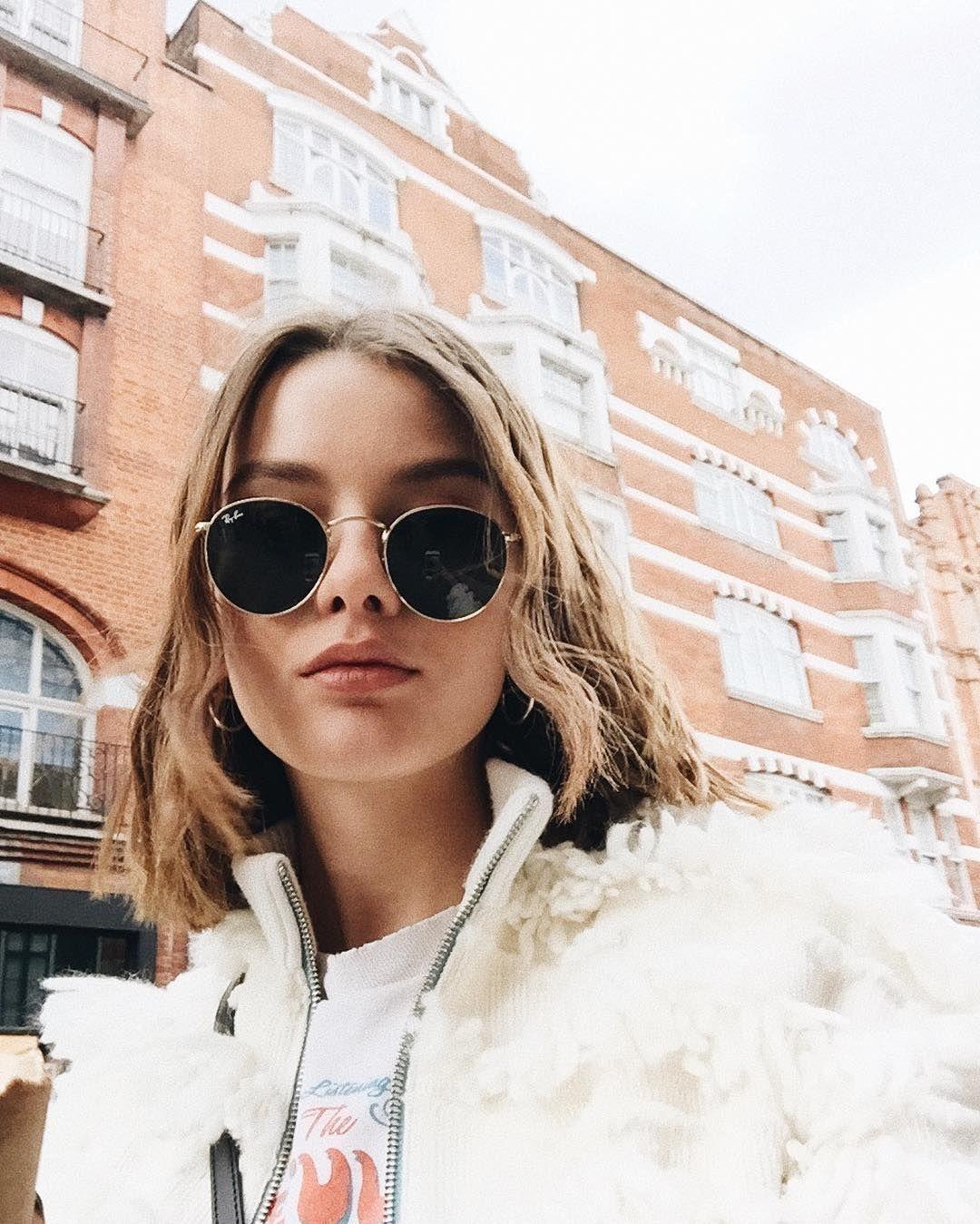 91af01ae11715 I N S T A G R A M  EmilyMohsie Round Metal Sunglasses