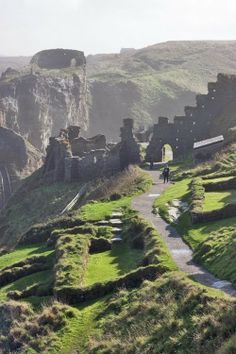 The ruins of Tintagel Castle, Cornwall, UK