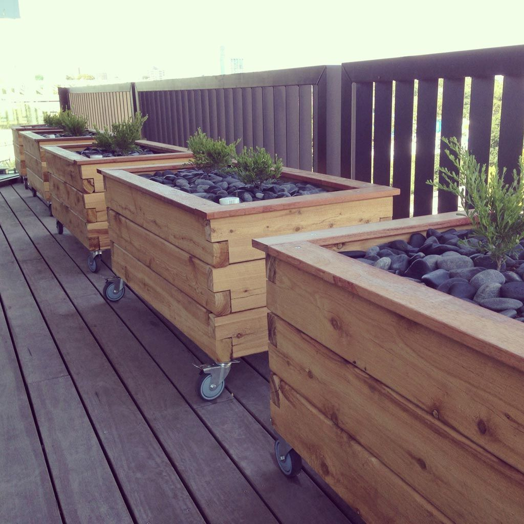 Modbox grande on wheels planter box raised garden beds for Garden planter designs