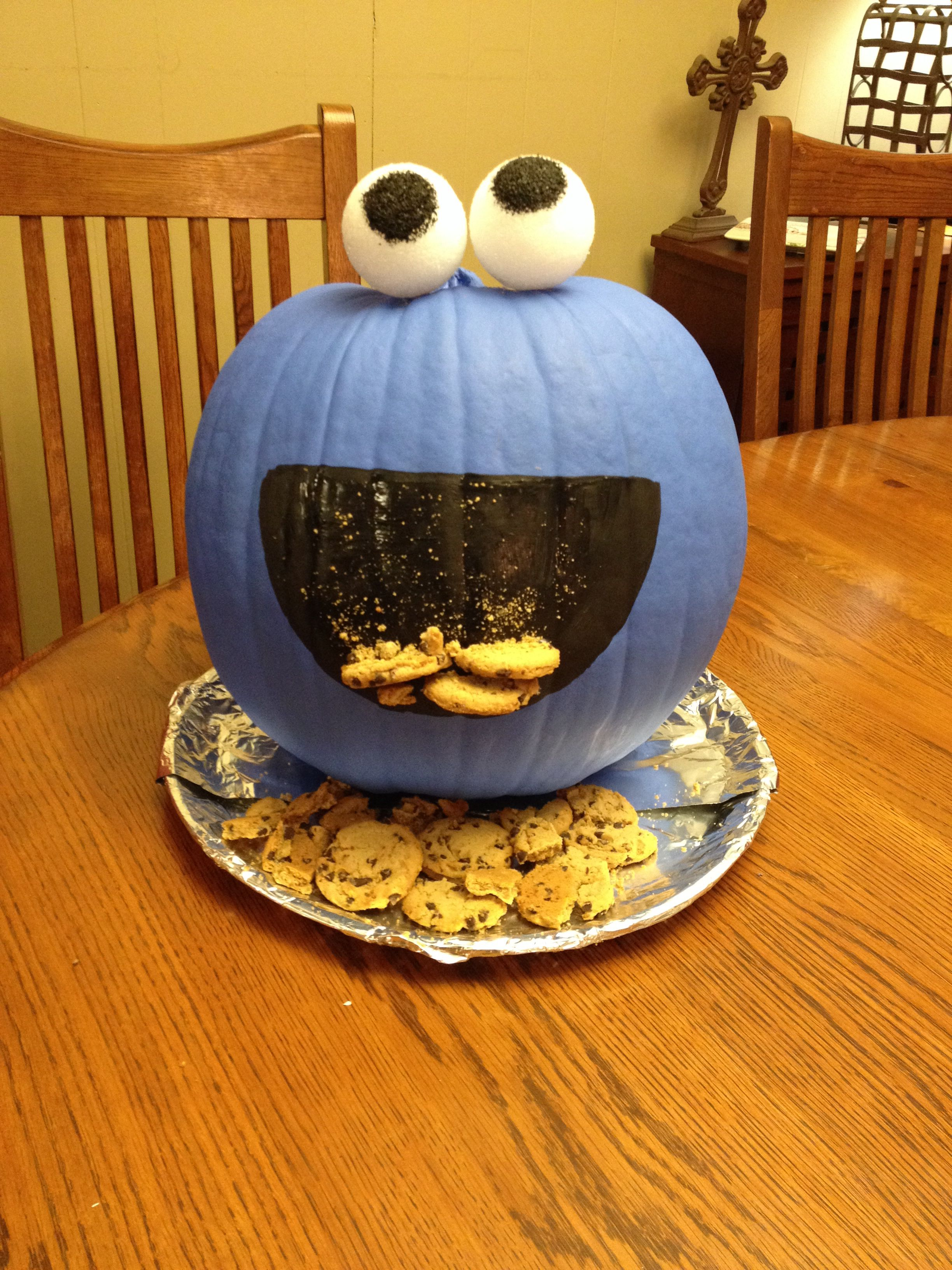 Monster Halloween Cookies: Cookie Monster Painted Pumpkin!
