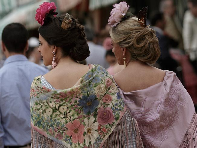 Explicación peinados feria de abril 2021 Fotos de cortes de pelo tendencias - Seis ideas de peinados para la Feria de Abril de Sevilla ...