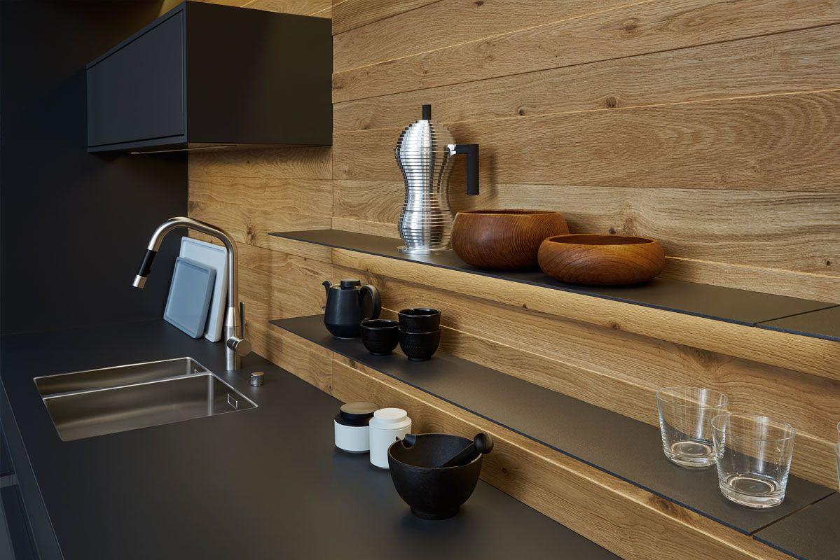 Houten Keuken Ideas : Wildhagen zwarte design keuken met houten achterwand houten