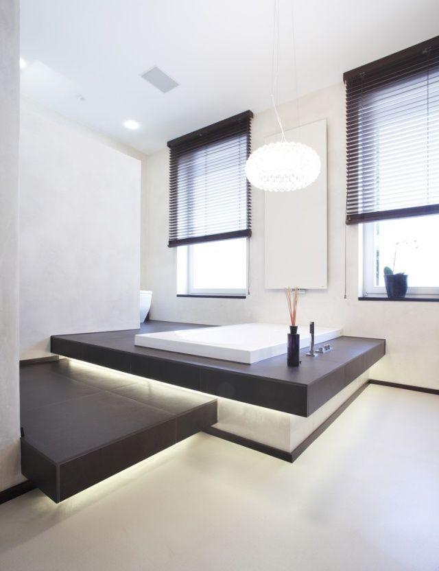 Badezimmer Gestaltung Modern Eingebaute Badewanne Led Leisten ... Moderne Badewanne Led Beleuchtung