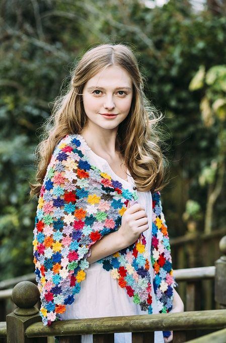 Flower Mosaic Shawl by Annelies Baes | Inside Crochet Magazine, issue 64 | Blog | Inside Crochet Image By Leanne Dixon