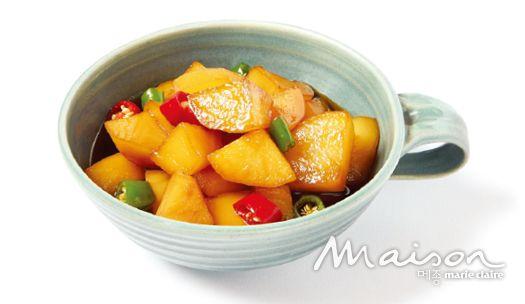 늘상 마트에서 볼 수 있기에 만만히 여겼던 감자. 평범한 재료로 근사한 요리를 꾀하는 이번 달 주인공은 감자다.