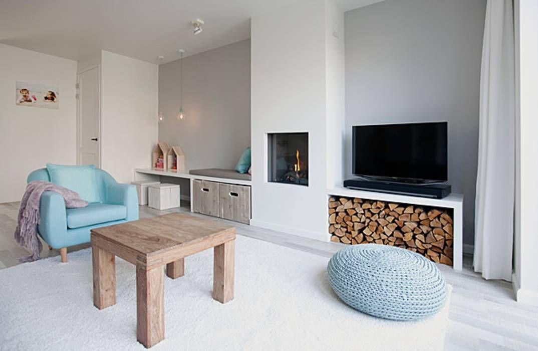 Landelijk Romantisch Interieur : Een romantische woonkamer woonkamer door interieur design by