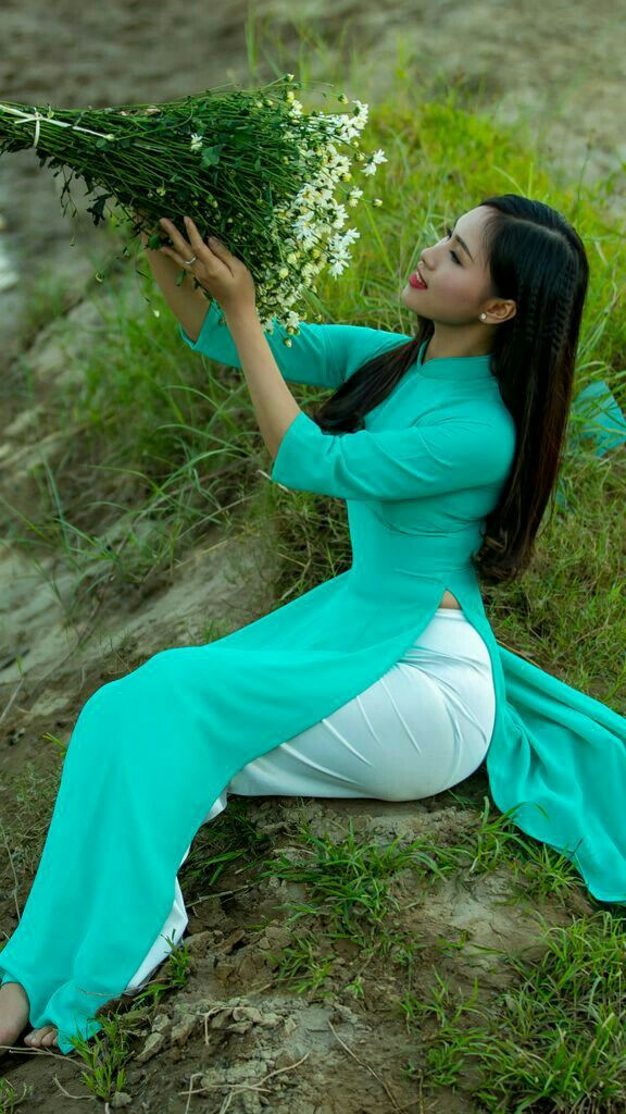 Vietnamese women thick Beautiful Asian