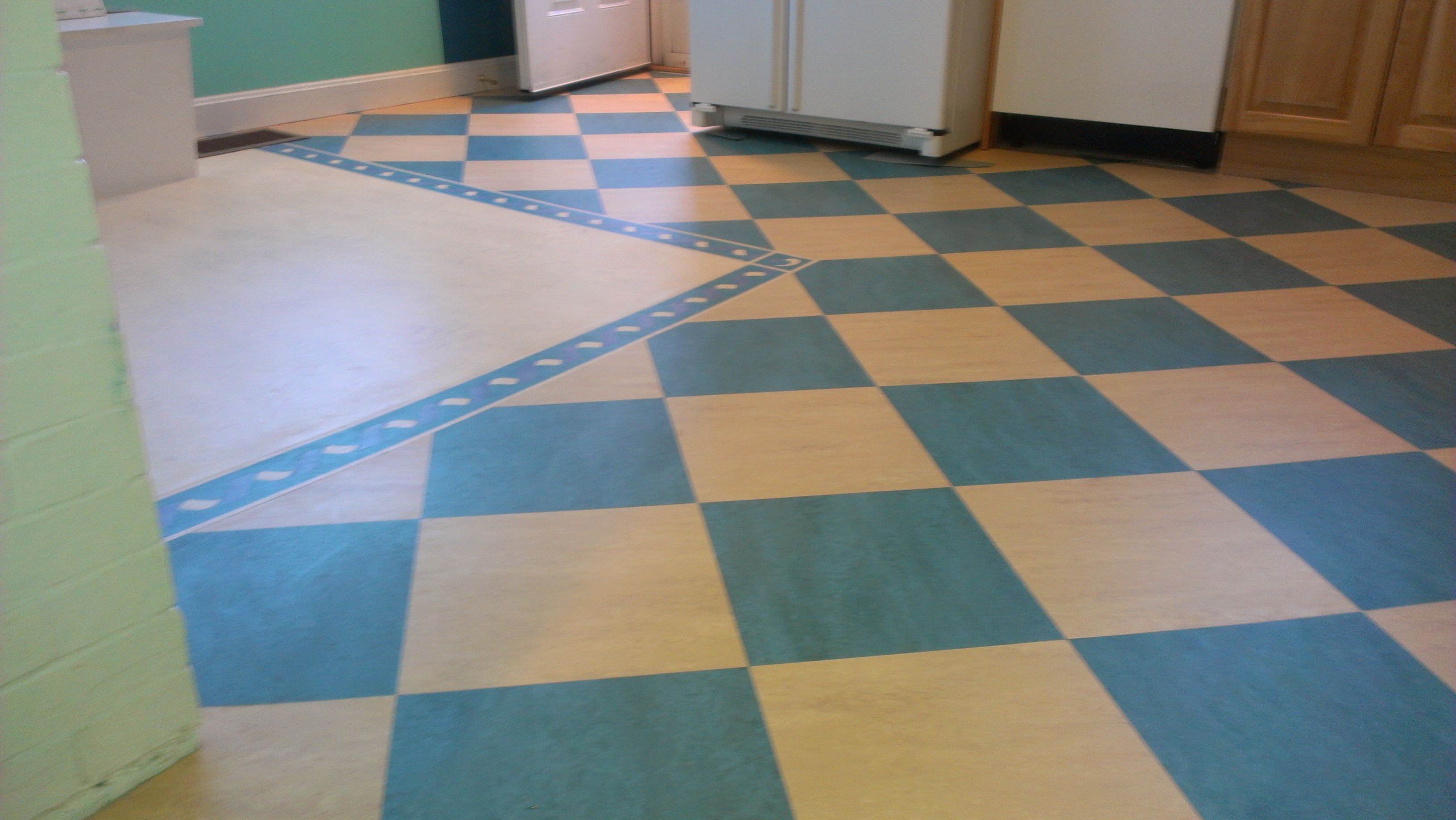 Checkerboard linoleum flooring floor matttroy for Vinyl tile over linoleum
