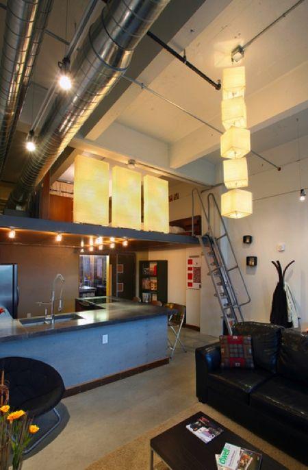 petit loft industriel avec mezzanine archi blanche pinterest mezzanine lofts and interiors. Black Bedroom Furniture Sets. Home Design Ideas