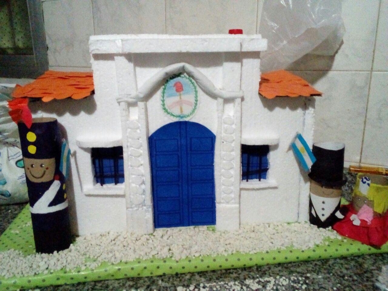 Casa de tucuman echa de tegopol y soldadito de tubo de carton.