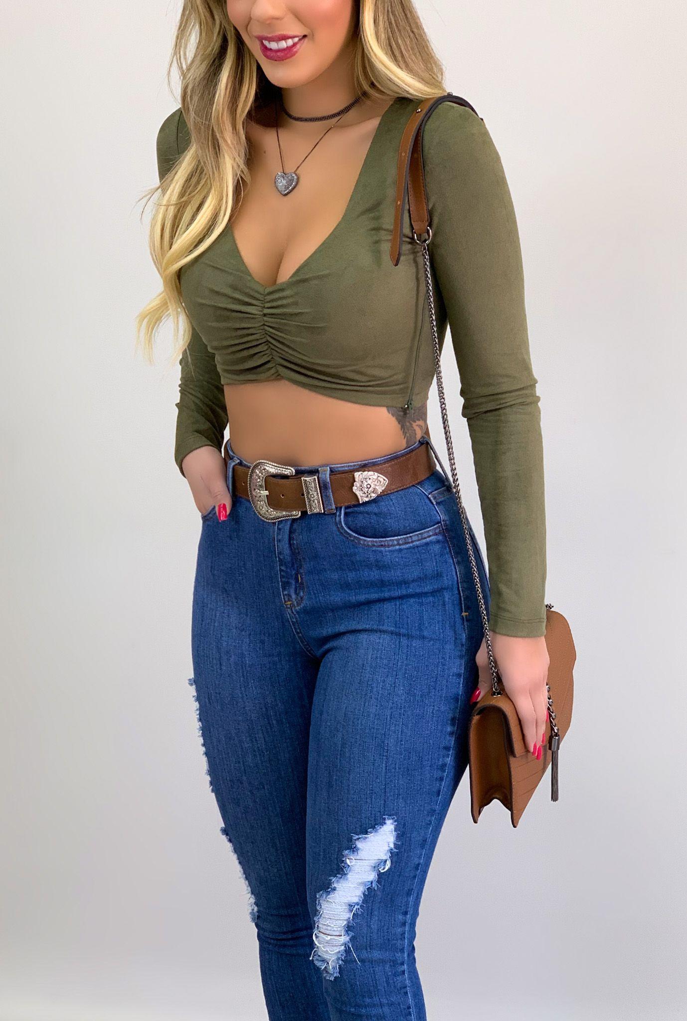 Cropped Suede c/ Drapeado Manga Longa Verde Militar | ONLAURI | Moda  feminina, Looks, Looks casuais