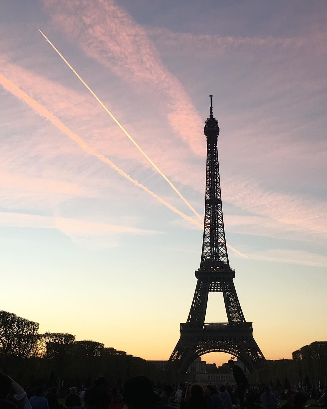 Paris Eiffel Tower At Sunset Ig Carmelanery In 2019
