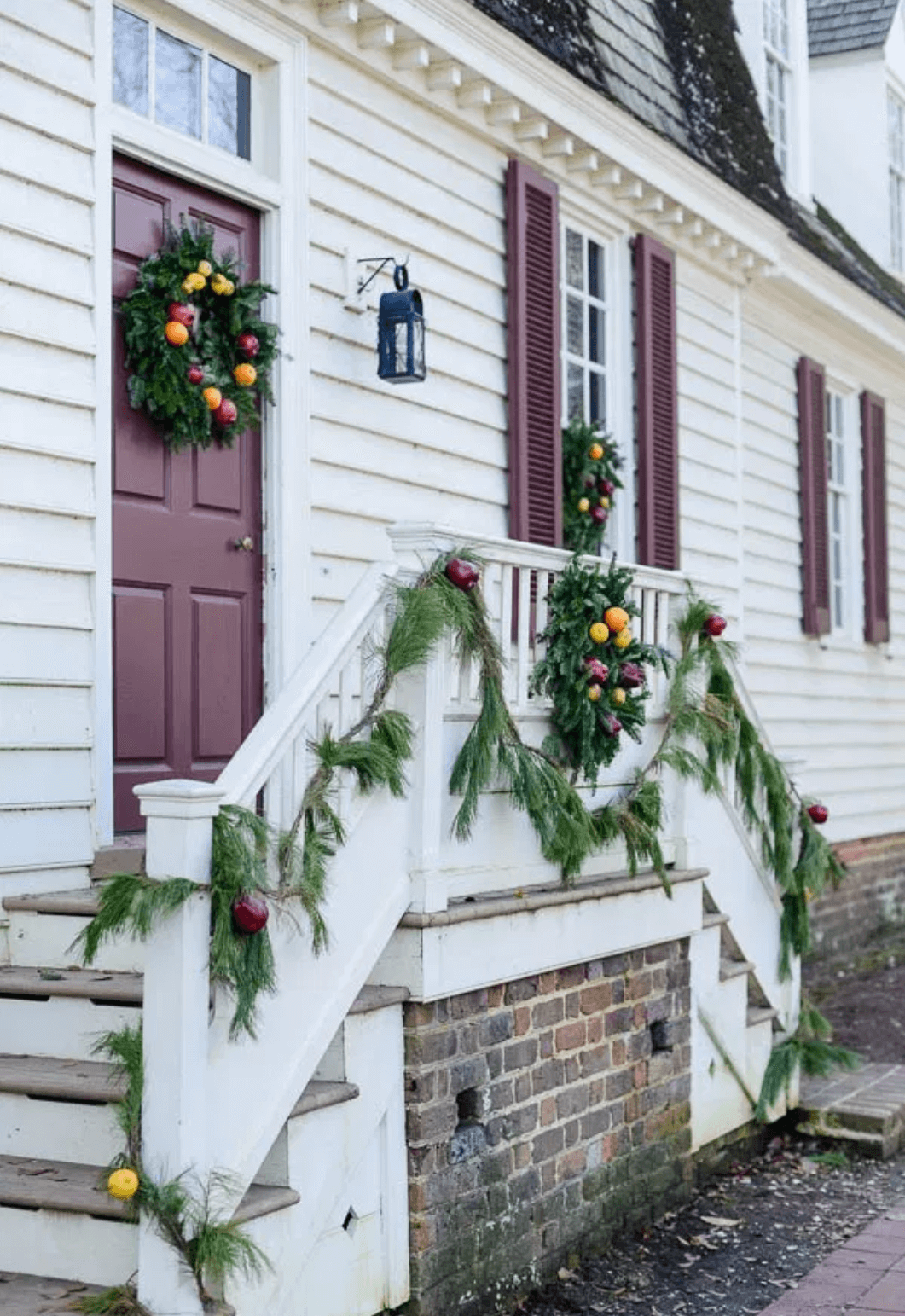 Inspiration Of The Week Williamsburg Christmas Colonial Williamsburg Christmas Christmas Decorations Diy Outdoor