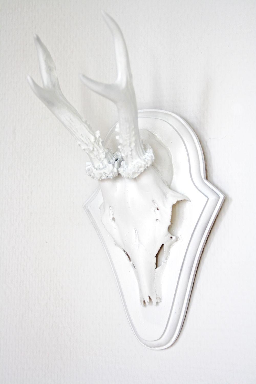 Hirschgeweih deko wohnzimmer  DIY weißes Geweih basteln | Deko für wohnzimmer, Horn und ...
