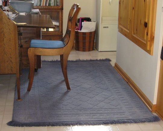 Give Live To An Old Stained Rug With Dye Diy Dye Rugs Diy Rug