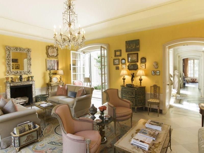 Bright And Sunny Neo French Classic Style Living Room Living Room Stunning Classic Living Rooms Interior Design Design Inspiration