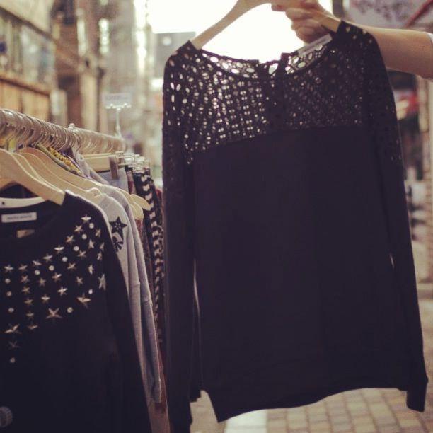 Sweater, Hongdae. www.districtgal.com