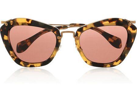 fe90f2aa65e73 Além de vintage e super leve, o modelo ganha novas cores, inclusive  GLITTER! Vem conferir...  oculos   de  sol ...