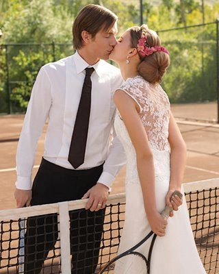a beautiful moment captured for couples that share the love of tennis