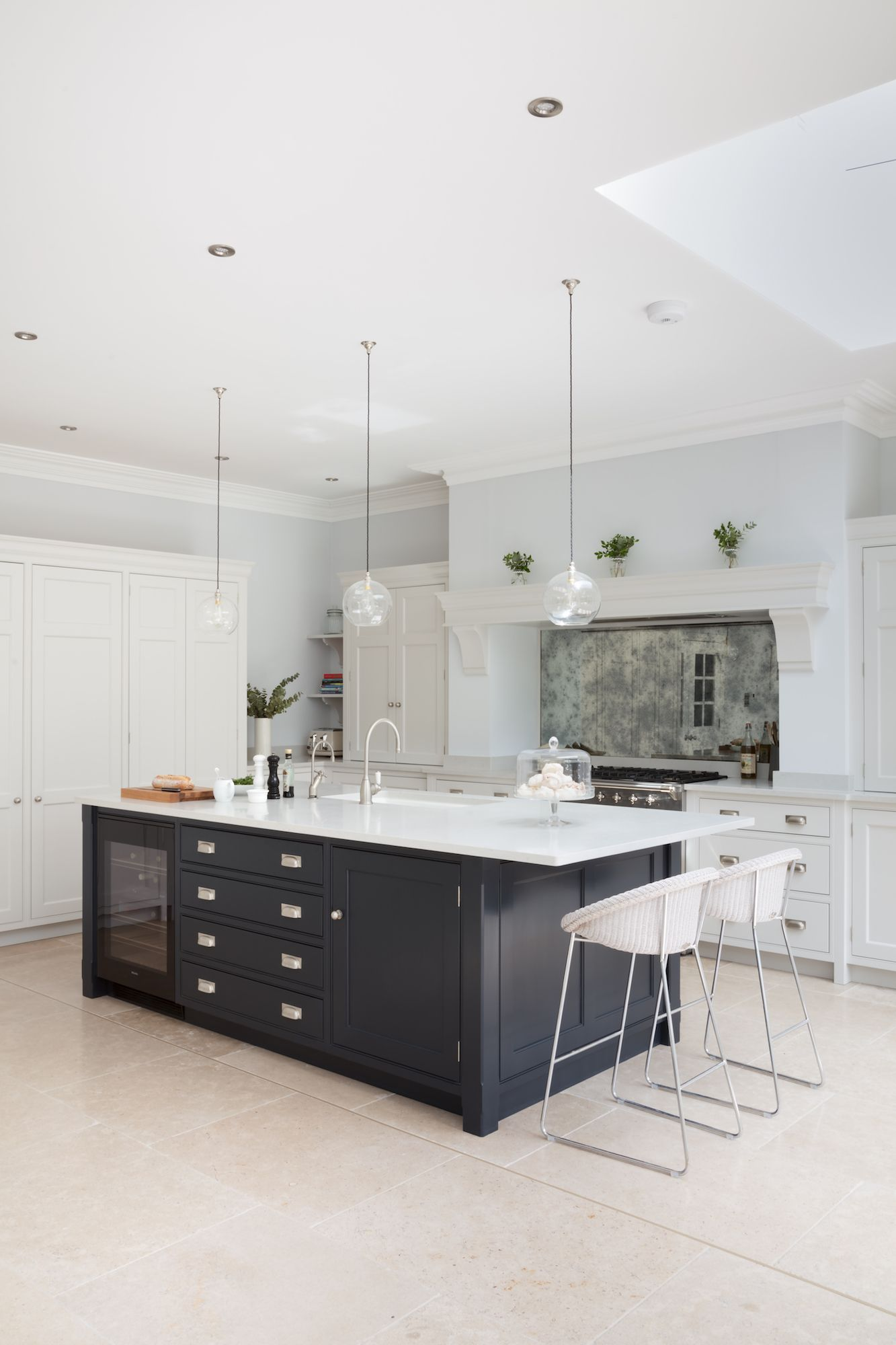 Open plan luxury kitchen london humphrey munson kitchens