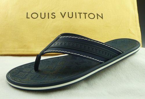 9ecc6154f101  399 New - LOUIS VUITTON sz 7 LV LOGO   MONOGRAM THONG SANDAL MENS BLUE fit  US 8