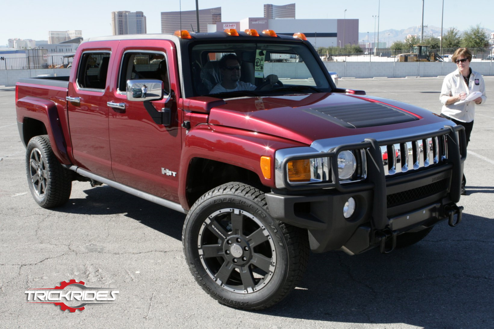 2008 Hummer H3 At Sema Trickrides Sema Customcarshow Aftermarketaccessories Trickyourride Tire Automobile Automotive V Custom Cars Vehicles Large Cars