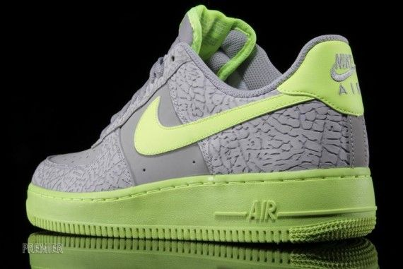 Nike Air Force 1 Low – Wolf Grey Elephant – Volt