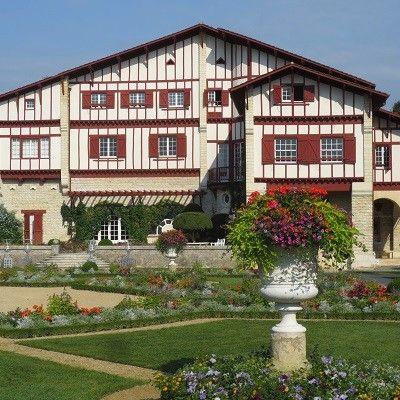 La Villa Arnaga A Cambo Les Bains Pays Basque