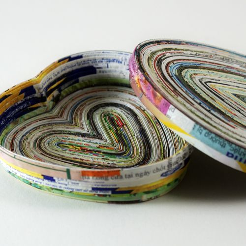 Recycled magazine page craft heart bowl crafts for Rolled magazine paper crafts