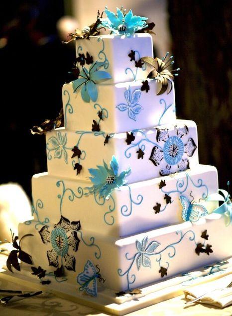 Blue floral vine square wedding cake