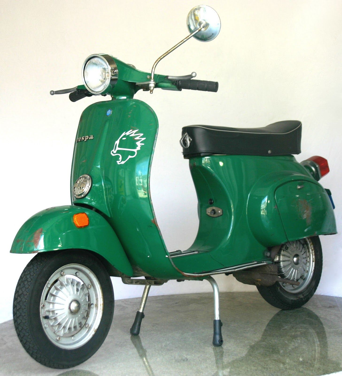 Just Like The 1973 Vespa My Sweetie Got For Me Same Color Vespa Sweet Style Color