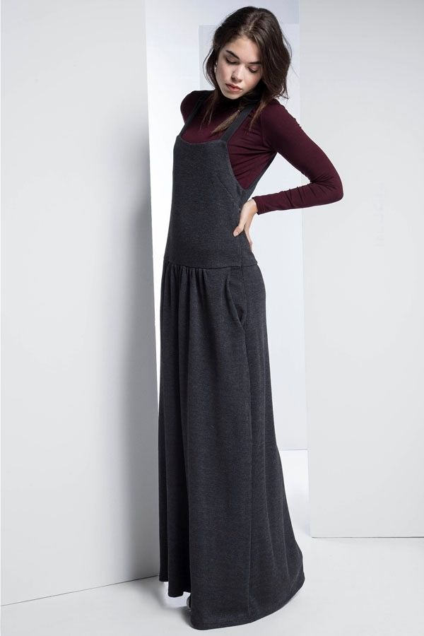 d2fb1362d87 Μπορείτε να βρείτε γυναικεία ρούχα,φόρεματα,μπλούζες,παπούτσια, φούστες,  accessories από την εταιρεία ρούχων Helmi