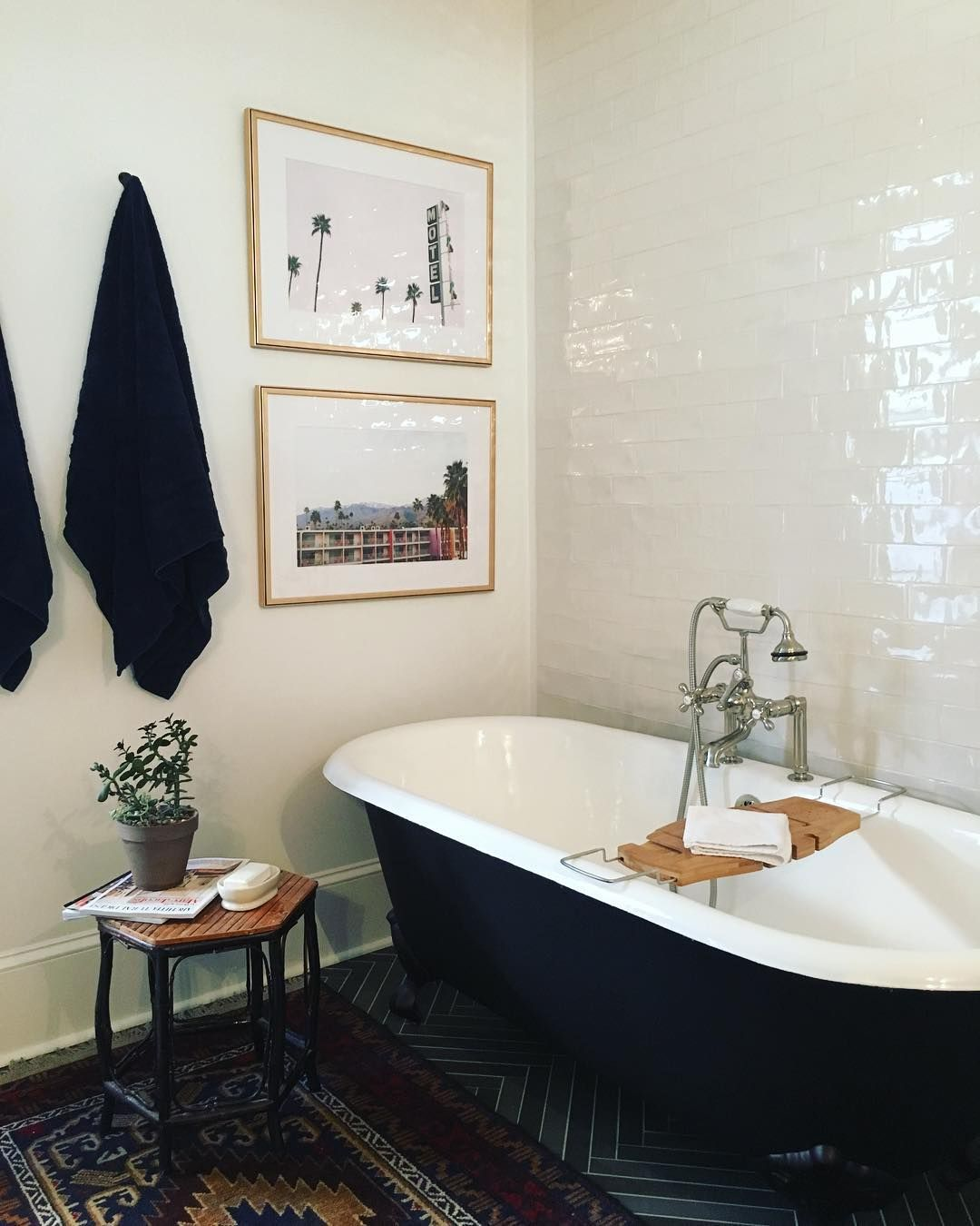How To Style 3 Notoriously Difficult Spaces Bathroom By Moet Delatorre With Art Prints From Jenny S Print Sho Beautiful Bathrooms Bathroom Makeover Hanging Art