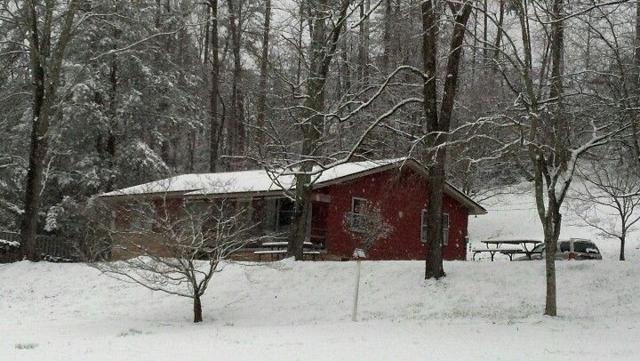 Snowy day in March at Mother's. Gatlinburg