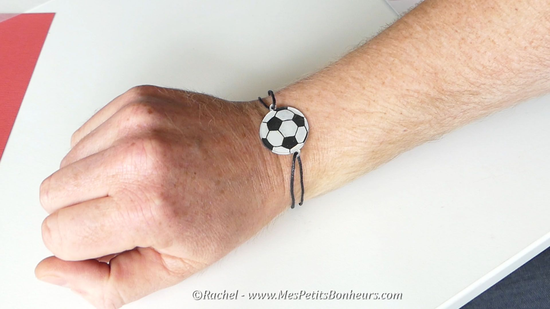 bracelet foot cadeau fete des peres bricolage plastique. Black Bedroom Furniture Sets. Home Design Ideas