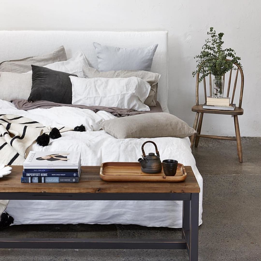 Now Who Wouldn 39 T Want To Curl Up In This Dreamy Bed We Love The Use Of Our Warf Bench Seat At