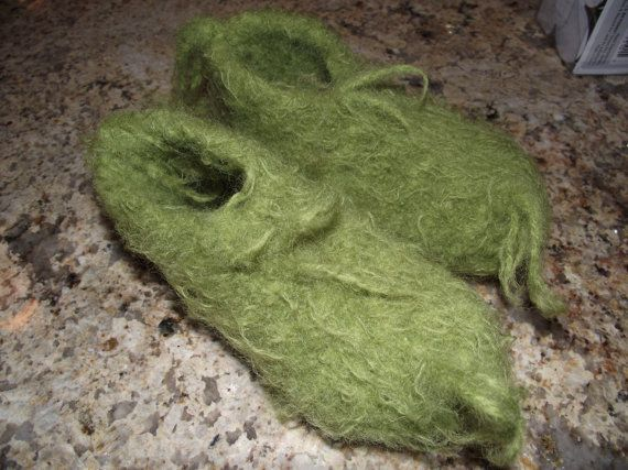 """I LOVE the Grinch so naturally I want these """"Grinch feet"""" slipper things!"""
