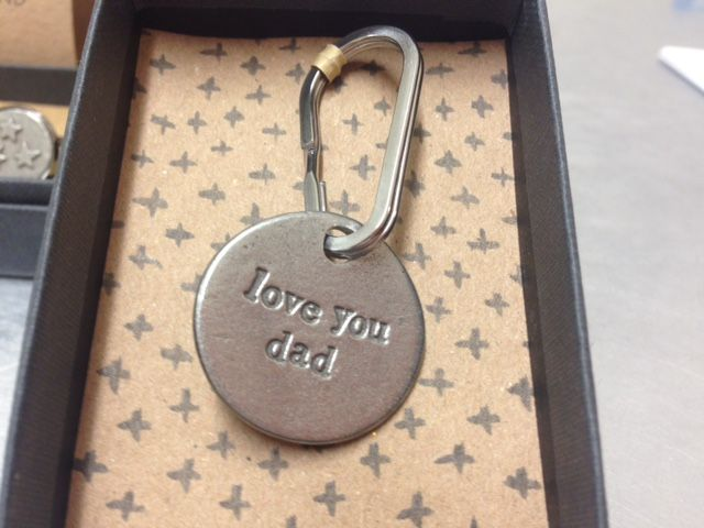 Let Dad know how much you care, every time he picks up his keys with this lovely pewter keyring from Kutuu.