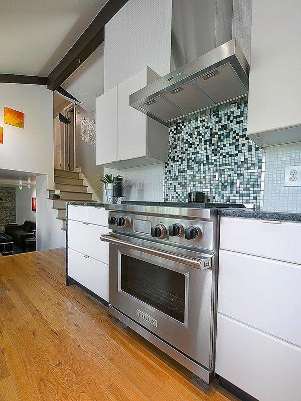 Inspiring Interior Design and Landscape: Whiting Way Residence - http://freshome.com/2011/11/04/inspiring-interior-design-and-landscape-whiting-way-residence/