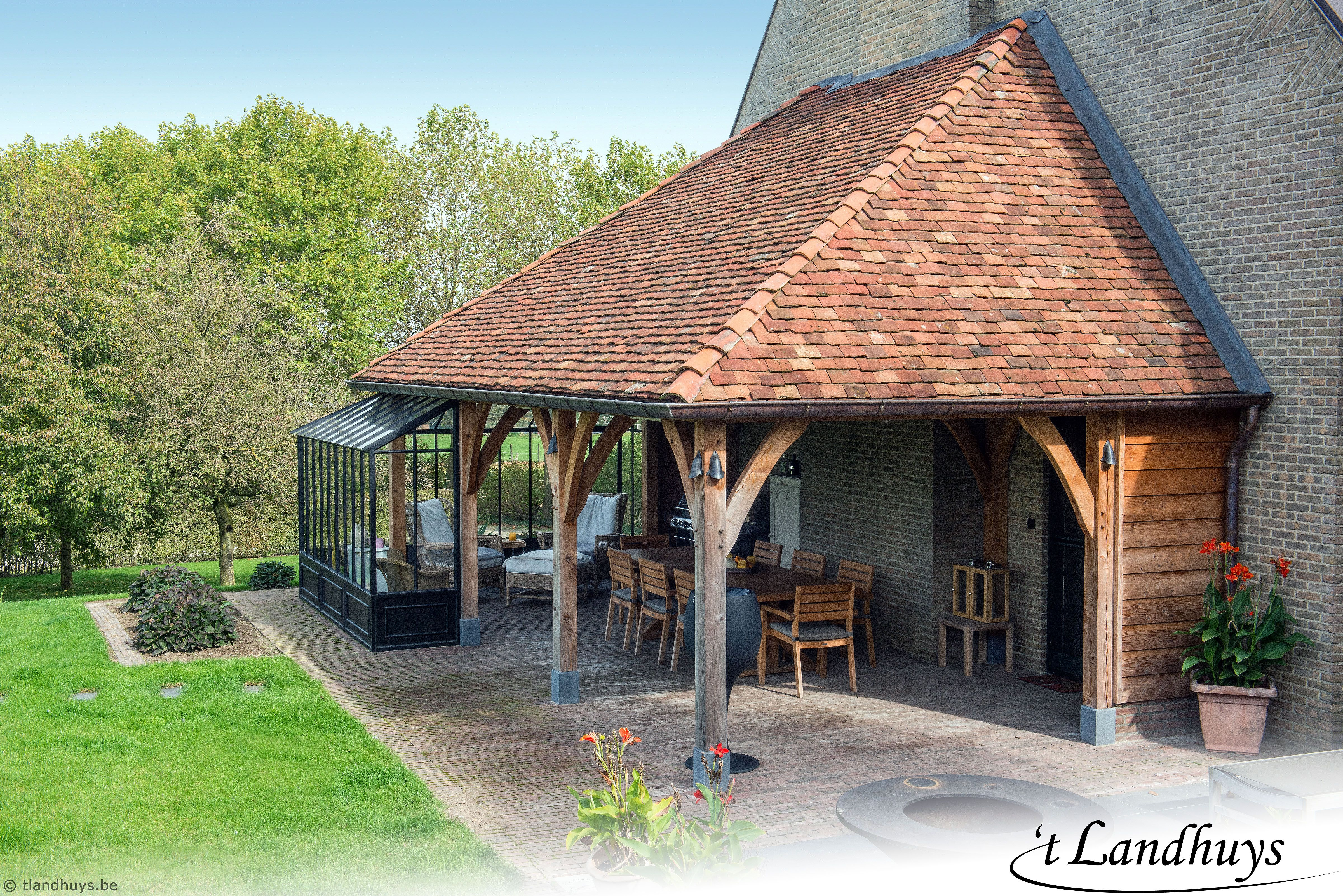 Thuiskantoor Uitbouw Tuin : Genieten van een stijlvol overdekt terras aan de woning met een