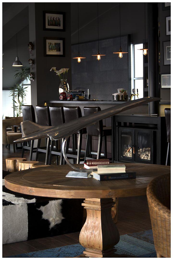 Merveilleux Casa Grande   LA PAZ, BOLIVIA Hotel   Interior Design U0026 Custom Furniture    Commercial   Wooden Table With A Swivel Wood Leg U0026 Decorative Metal  Sculpture ...