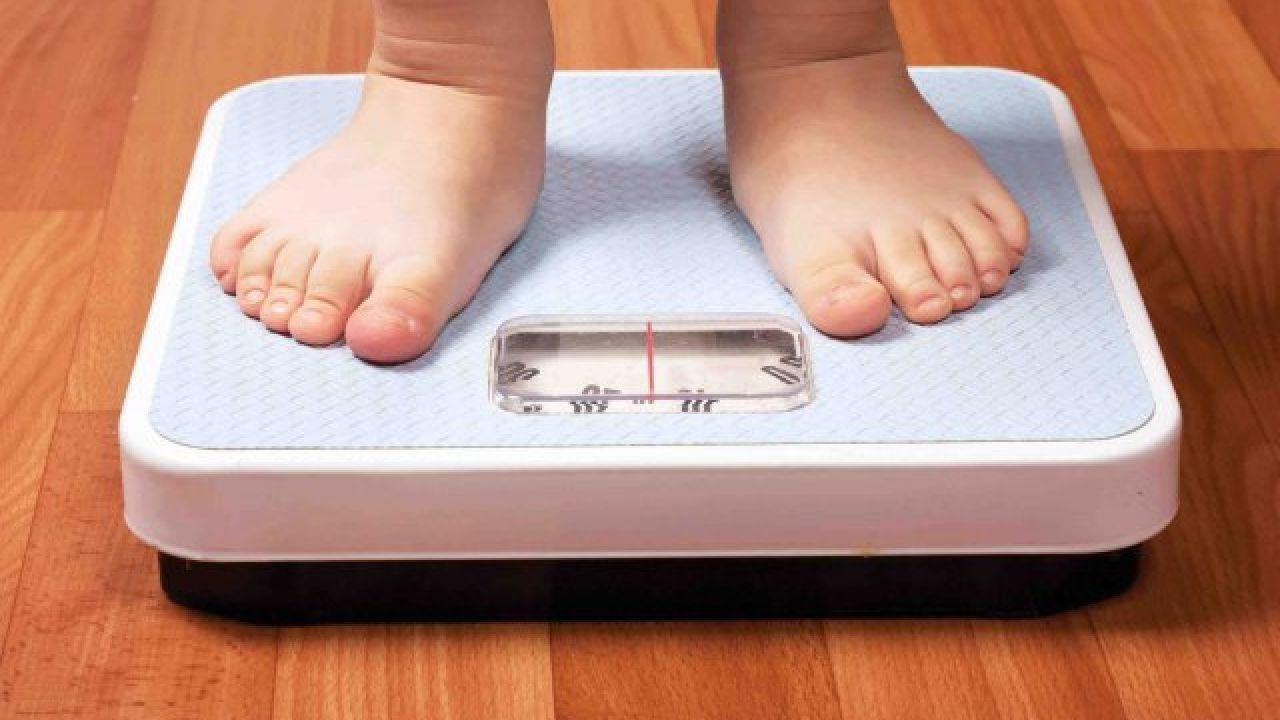 كيف أزيد وزن طفلي حديث الولادة Child Obesity Childhood Obesity Obesity