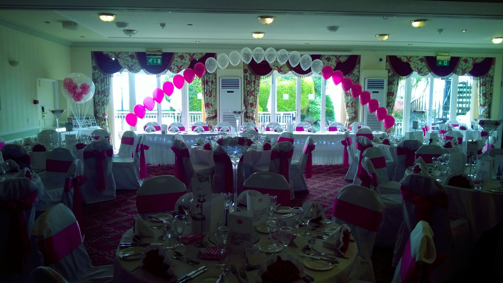 Wedding Chair Covers Eastbourne Wheelchair Dimensions At The Wonderful Hydro Hotel In Balloons And Table Centre Pieces