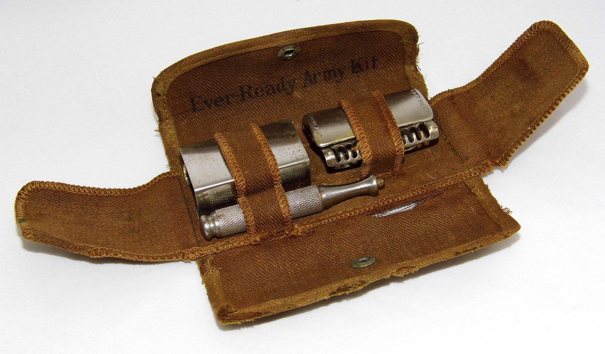 Vintage EverReady Army Kit Safety Razor, Canvas Holder