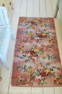 Floral splendour rug