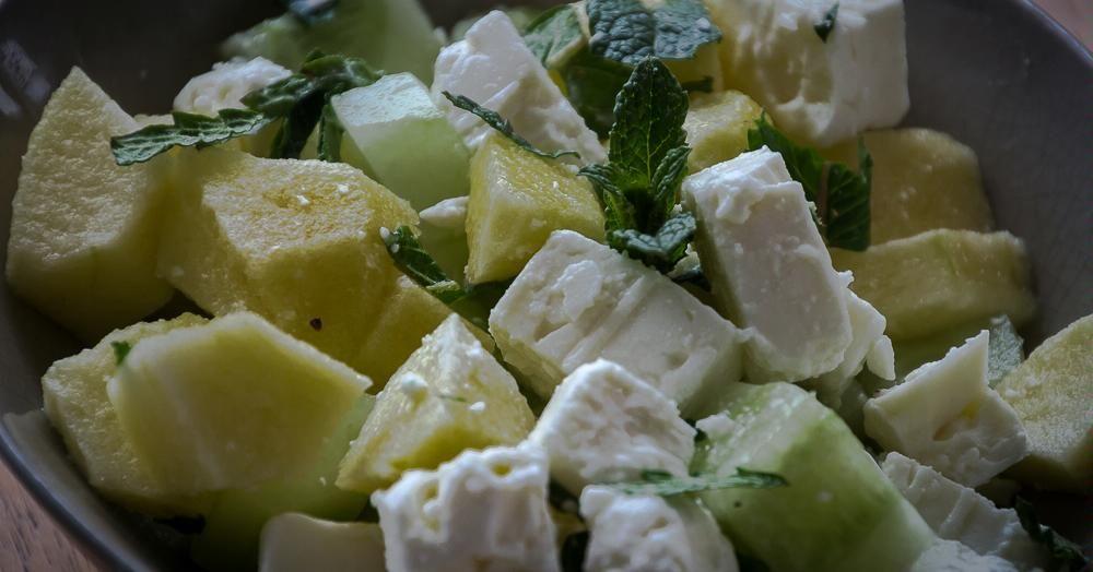 Cuisine-à-Vous - Komkommersalade met appel, feta en munt