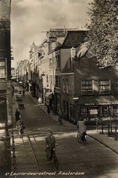 1950 S A View Of The Tweede Laurierdwarsstraat In De Jordaan