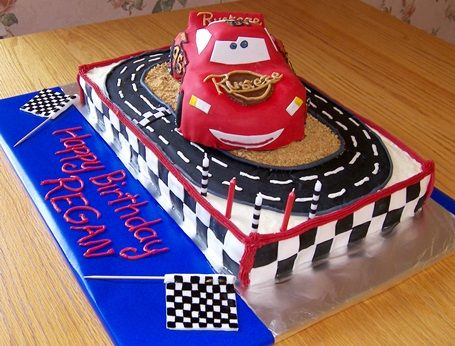 lightning mcqueen cakes Lightning McQueen Cake Happy Birthday