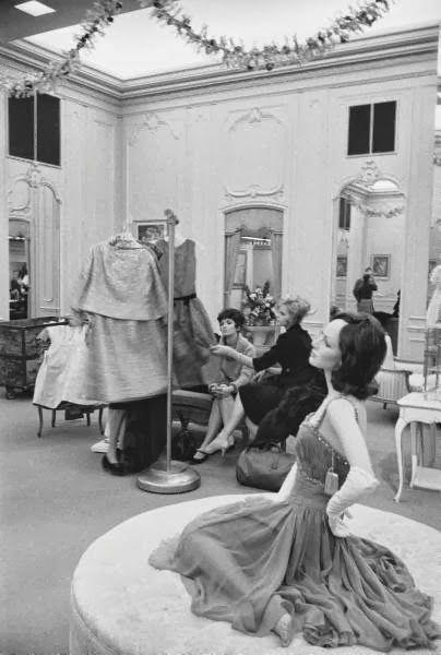 Saks Fifth Avenue custom salon, 1960 Couture Allure Vintage Fashion ...